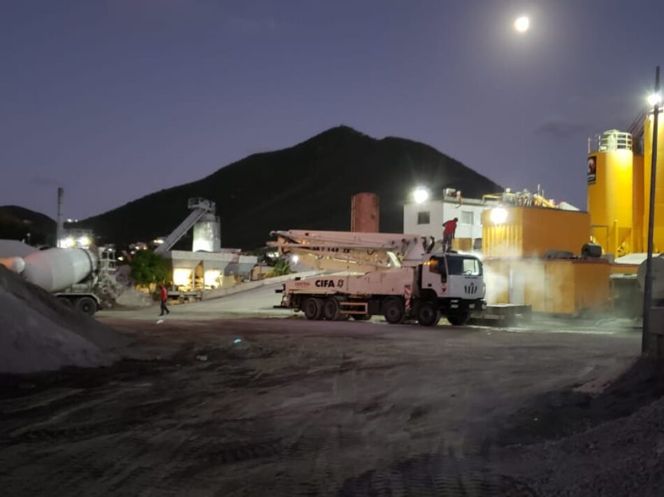 Central-Mix-Concrete-Plant-at-Night