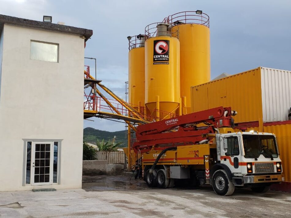 Central-Mix-Concrete-Plant-in-the-day