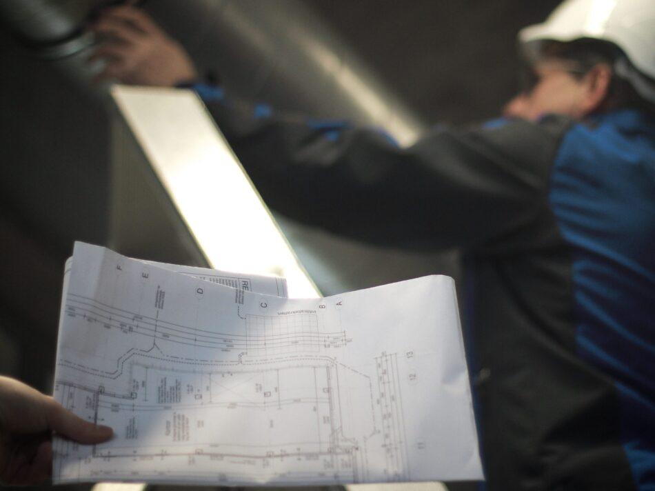 tekening-man-op-ladder-scaled